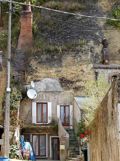 troglodyte-cave-house-france-doue