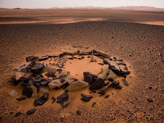 stone-marked-grave-libya_17619_990x742