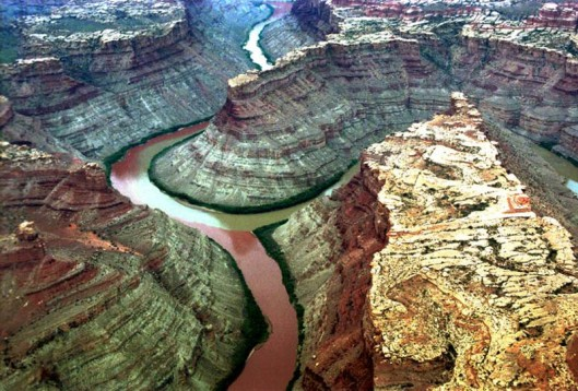 colorado-river-and-green-river-confluence-canyonlands-national-park-utah