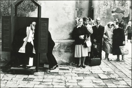 Outdoor-Confessional-Poland-1964-634x426