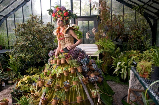 weedrobes_the_mobile_garden_dress_01