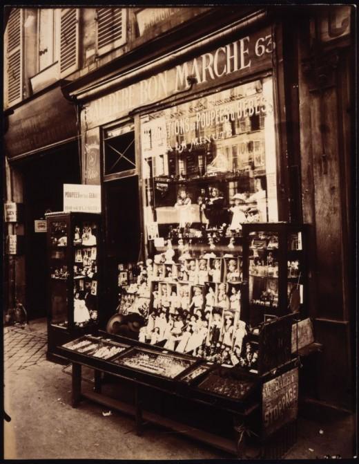 vitrines-parisiennes-deugene-atget-L-lXJbE5