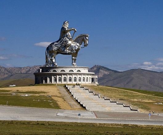 genghis khan Chinggis Khaan statue horse equestrian mongolia 1