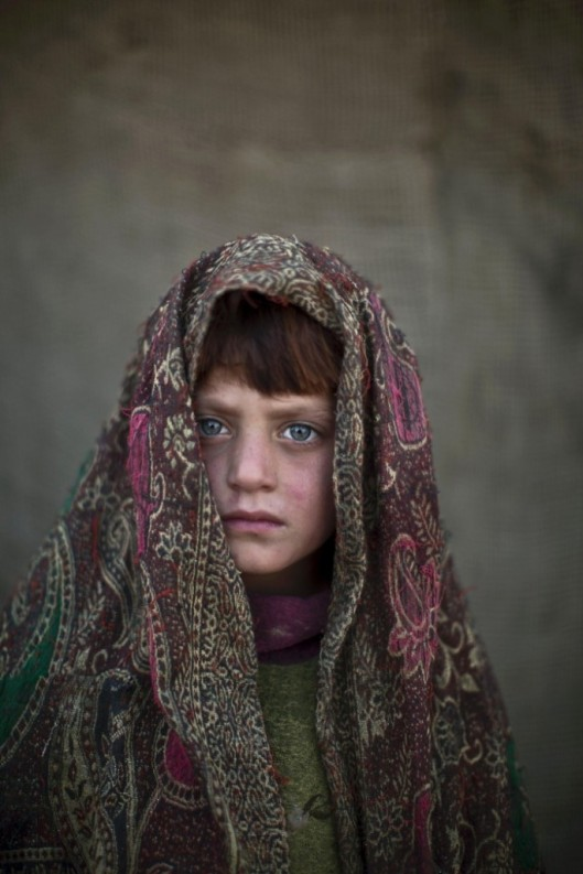 Afghan-Refugee-Children-03-685x1027