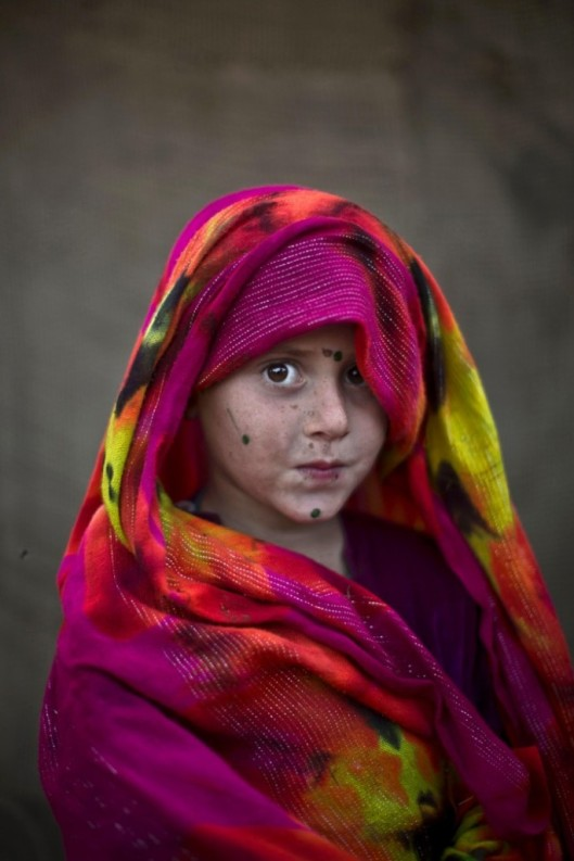 Afghan-Refugee-Children-07-685x1027