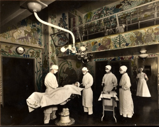Operating-Theatre-Murals1
