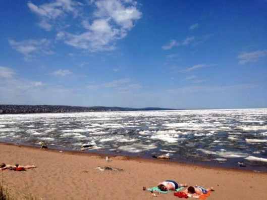 Sunbathers-by-ice-filled-Lake-Superior-01-685x513