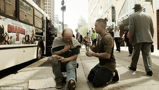 Haircuts-for-the-Homeless-06