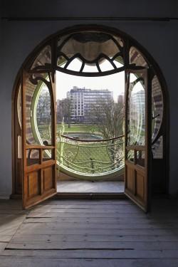 La maison saint cyr curiosit s de titam for Art nouveau fenetre