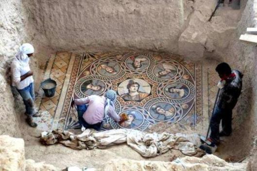 mosaic-1-1024x685-750x501