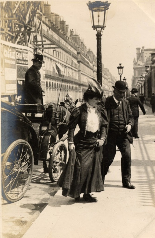 Paris Street Style of 1906 (1)