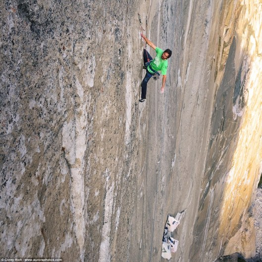 Don_t_look_down_Jorgeson_calculates_his_next_move_up_the_mountai-a-5_1420525074258
