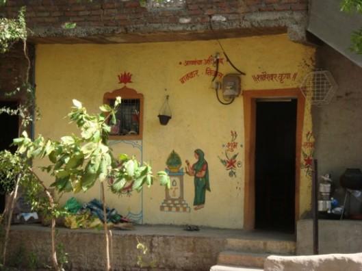 Shani-Shingnapur-doors3-550x412