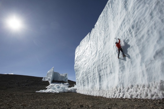 ice-climbing-at-the-summit-of-kilimanjaro-will-gadd-red-bull-1