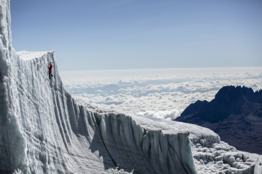 ice-climbing-at-the-summit-of-kilimanjaro-will-gadd-red-bull-4