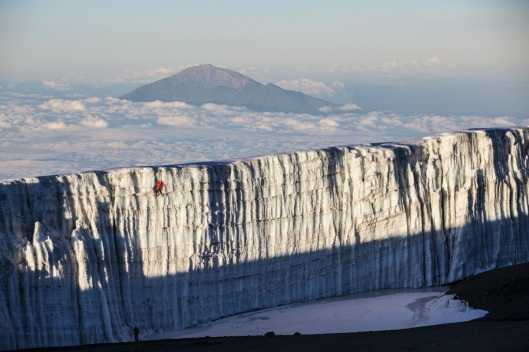 ice-climbing-at-the-summit-of-kilimanjaro-will-gadd-red-bull-9