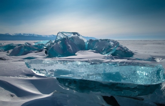 The-ice-here-has-taken-on-a-blue-hue-in-the-light1