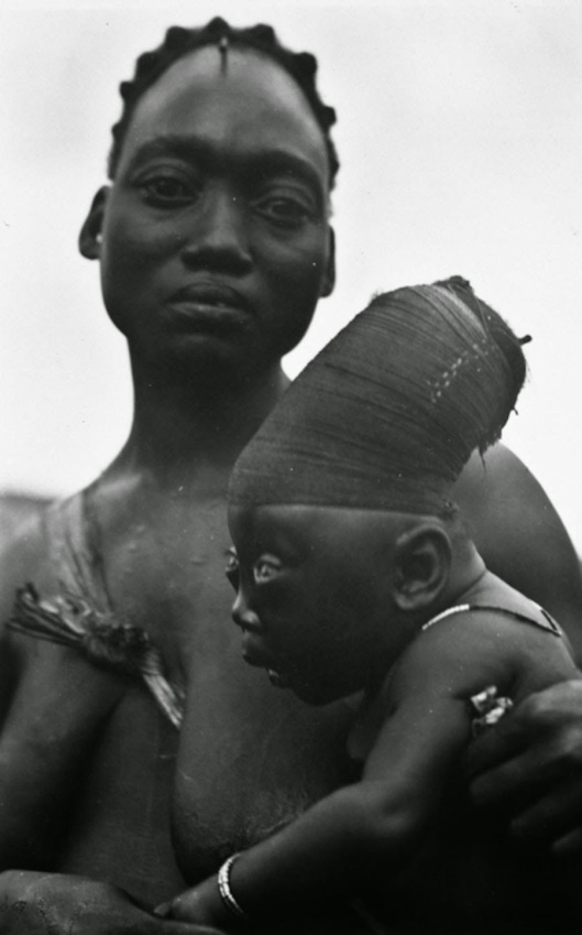 An elongated head was an ideal of beauty among the Mangbetu people, 1930 (1)