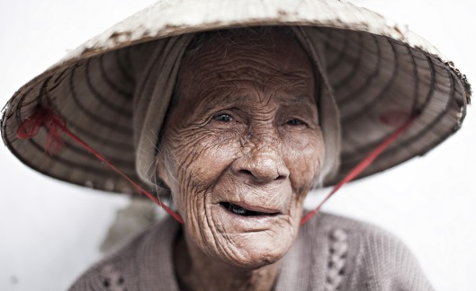 Femme âgée, Hanoï.