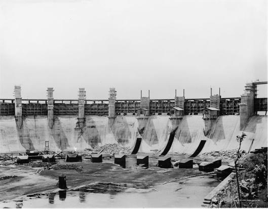 Les vannes évacuatrices de crue du barrage Gatún