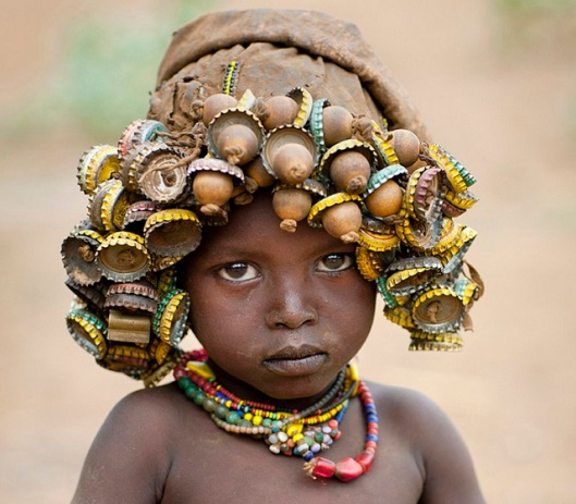 Ethiopian-boy-wearing-bottle-caps