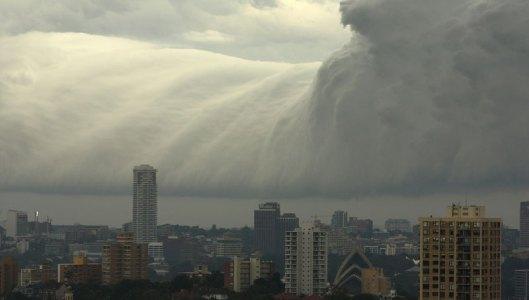 storm-front-shelf-cloud-over-sydney-by-jonny-ross