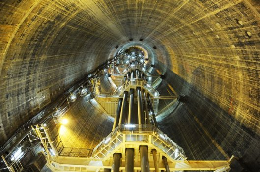 troll-a-the-tallest-structure-ever-moved-by-mankind-4