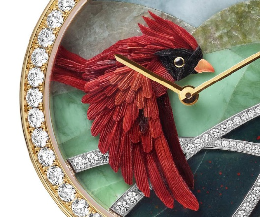 Van-Cleef-Arpels-Oiseaux-Enchantes-Cardinal-Carmin-detail