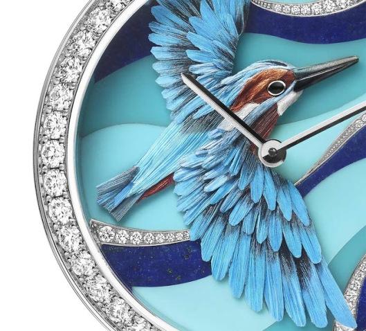 Van-Cleef-Arpels-Oiseaux-Enchantes-Pecheur-Azur-detail