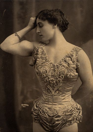 Beautiful Muscular Women in the early 1900s (4)