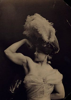 Beautiful Muscular Women in the early 1900s (9)