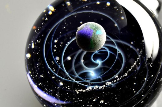 space-glass-planets-galaxies-stars-pendants-satoshi-tomizu-9