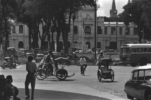 The_Life_in_Saigon_in_the_1960s_by_Fran_ois_Sully_11_
