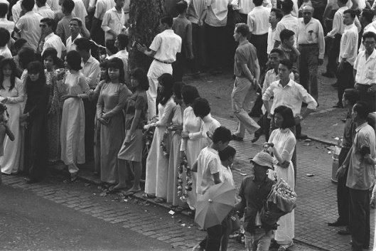 The_Life_in_Saigon_in_the_1960s_by_Fran_ois_Sully_8_
