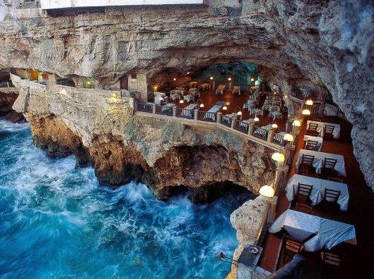 italian-cave-restaurant-grotta-palazzese-polignano-mare-31