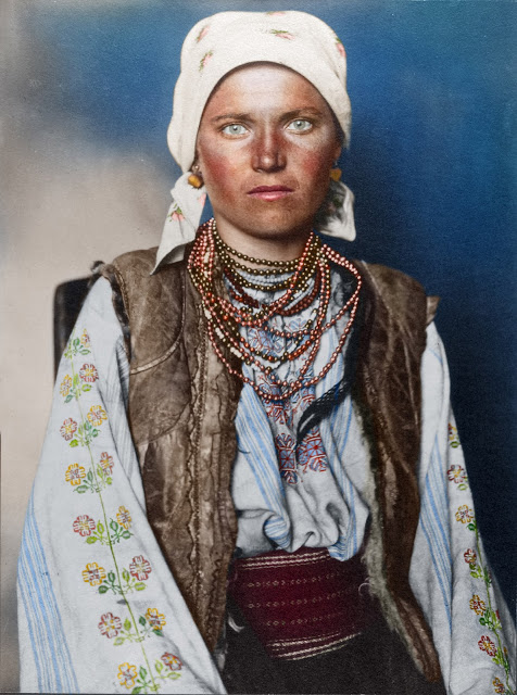 Portrait of a Ruthenian woman at the Ellis Island Immigration Station, 1906