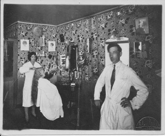 French-hair-salon-1920s-3