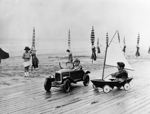 vintage-deauville-beach-10