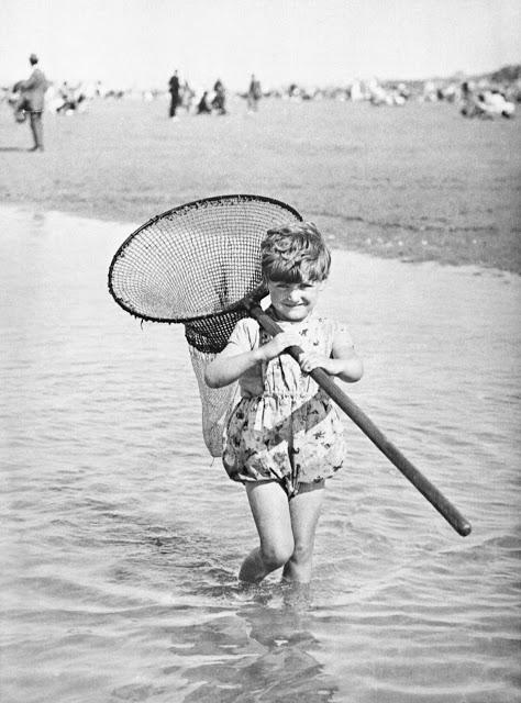 vintage-deauville-beach-27