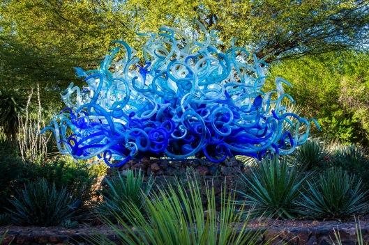 Dale Chihuly, Blue Fiori Sun, 2013