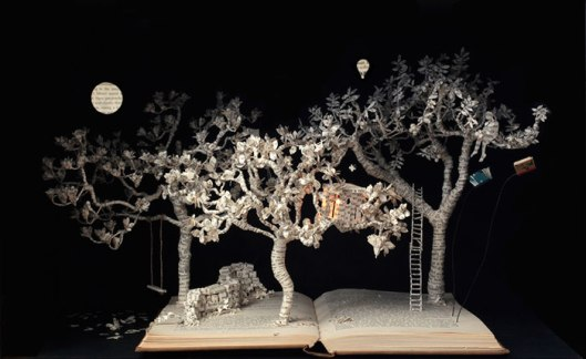 illuminated-book-sculpture-su-blackwell-24-57ee49a551a9a__700