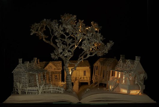 illuminated-book-sculpture-su-blackwell-8-57ee498590e18__700