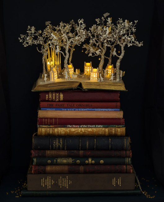 illuminated-book-sculpture-su-blackwell-9-57ee498746068__700