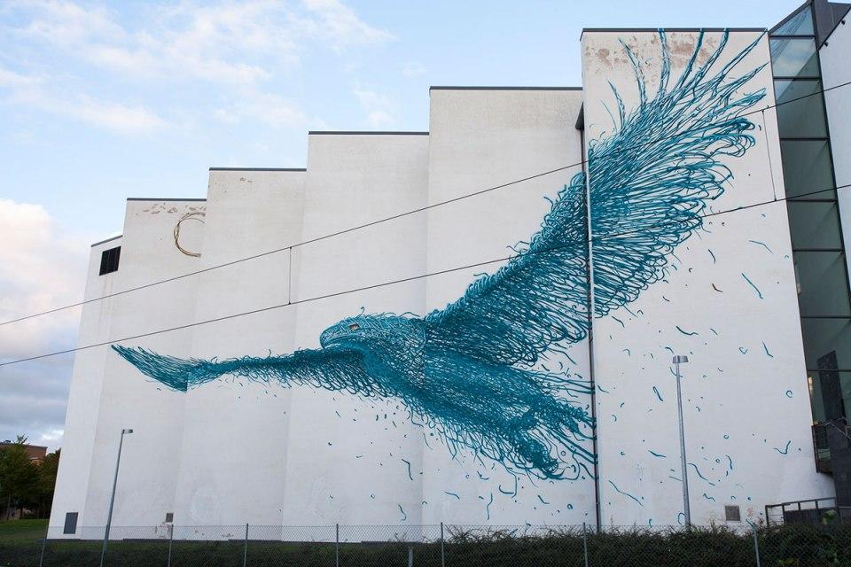 bird-street-art-by-daleast-in-boras-sweden-20151