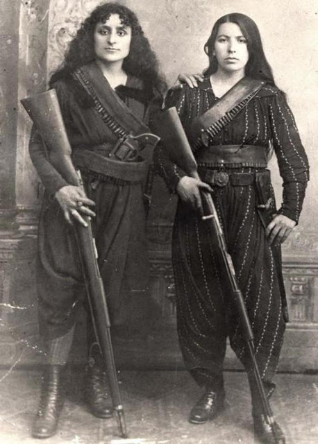 two-armenian-women-pose-with-their-rifles-before-going-to-war-against-the-ottomans-1895