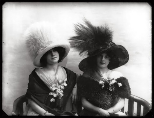 edwardian-giant-hats-1900s-10s-3